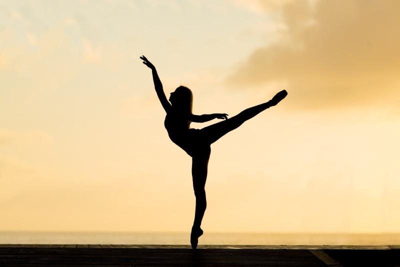 foto ballerina in danspose