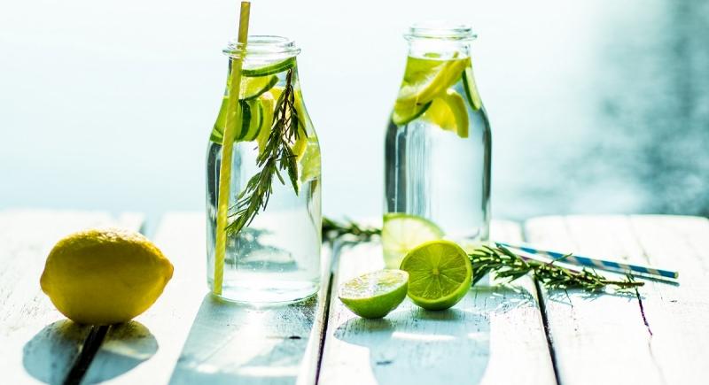 Rugpijn? Drink meer water (of dit lekker alternatief)